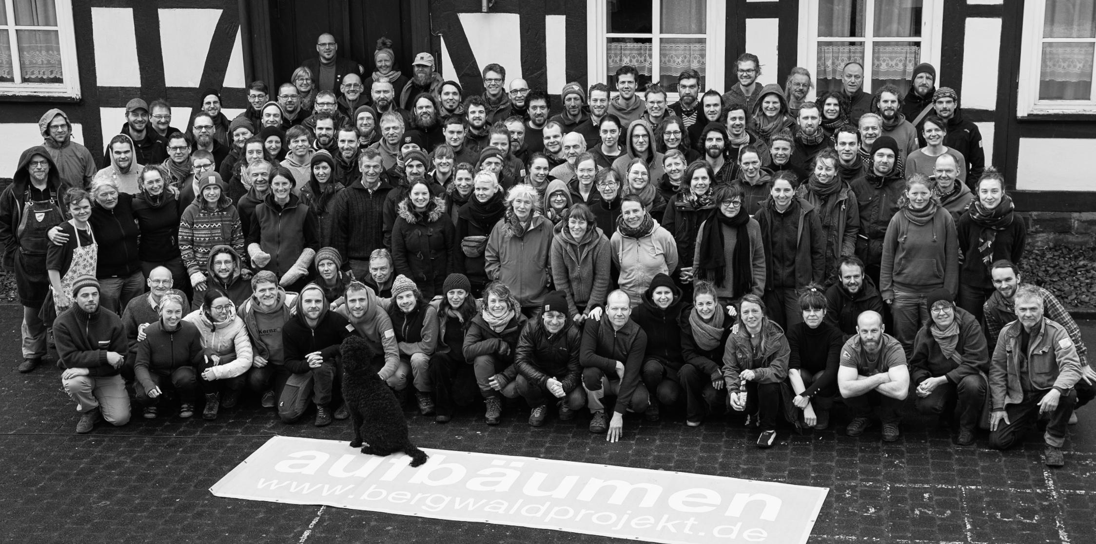 Sind hier wirklich 123 Personen auf dem Bild?
