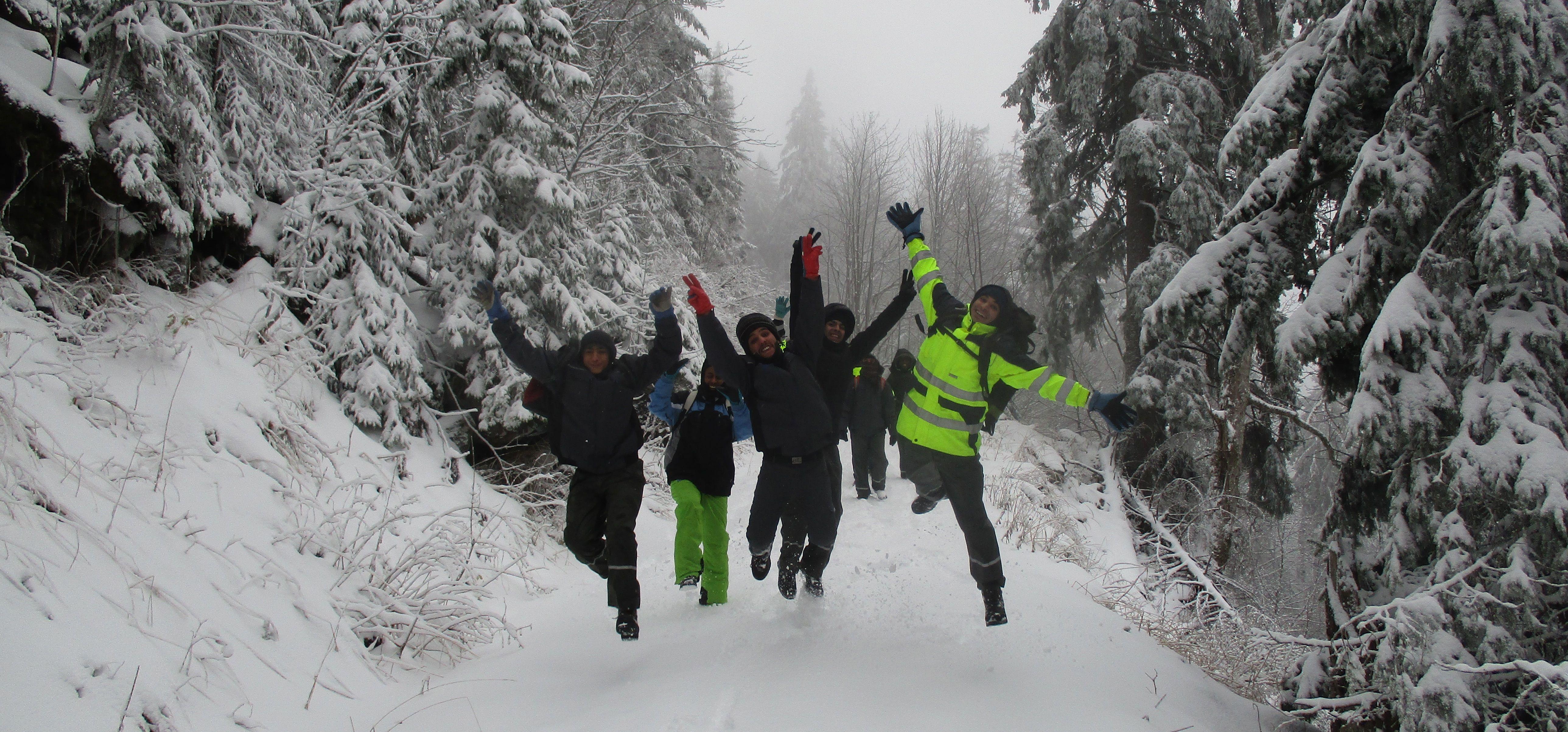 Freude am Feldberg über den ersten Schnee