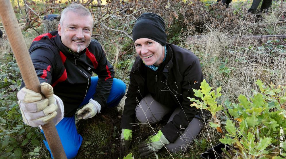 Beim Bergwaldprojekt vor 10 Jahren kennengelernt und immer noch am pflanzen