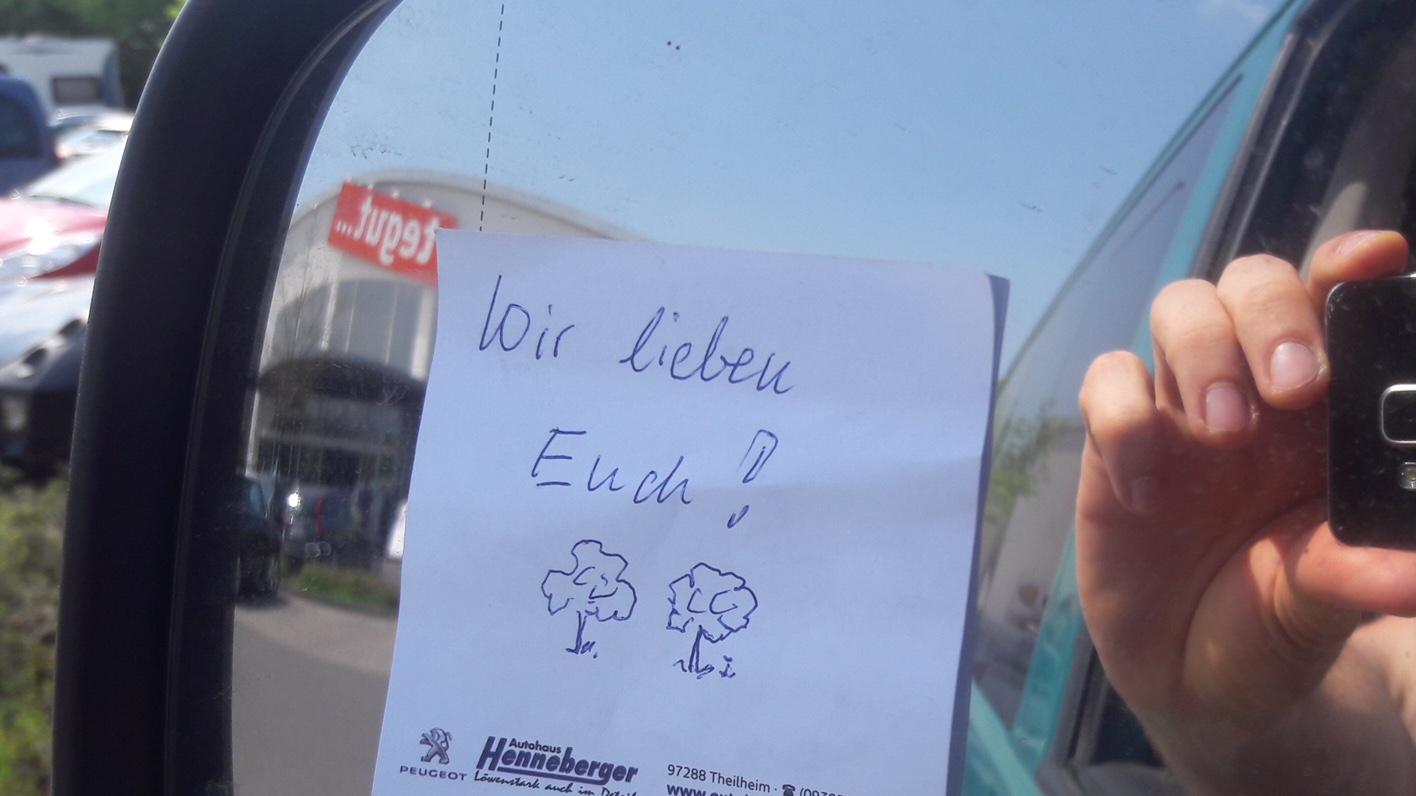 Anonyme Botschaft am Bergwaldbus